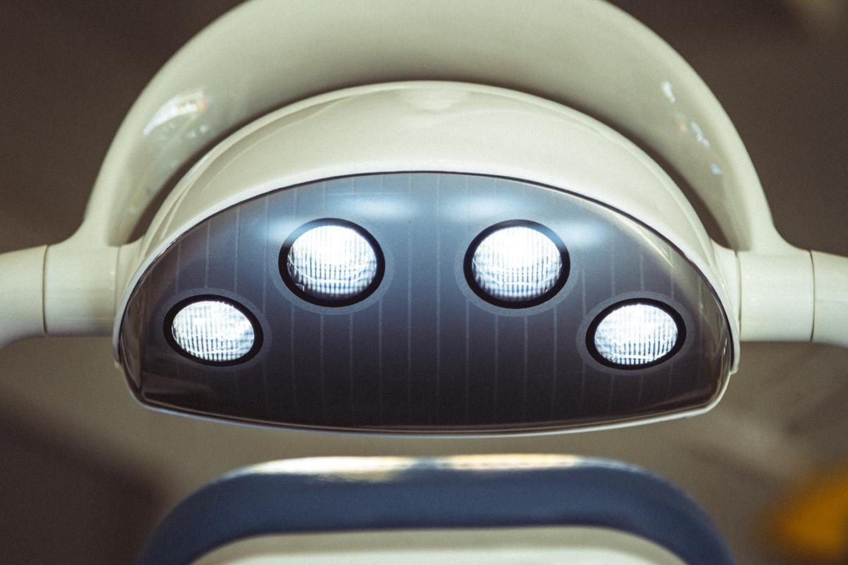 Светодиодный светильник стоматологической установки Mercury 330 LUX